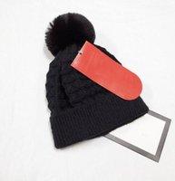 2021 Toptan Beanie Yeni Kış Kapaklar Şapka Kadın Bonnet Kalınlaşmak Beanies ile Gerçek Rakun Kürk Ponpons Sıcak Kız Kapaklar Snapback 363