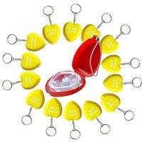 درع CPR الإنقاذ جيب الوجه قناع CE المعتمدة الإسعافات الأولية الإسعافاتي في القضية الصعبة مع 14 قطع شكل قلب الصفراء الرعاية الصحية