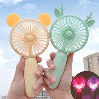 Toptan USB Şarj Hayranları Aydınlatma Mini Masaüstü Gadget El Ayarlanabilir 2 Hız Açık Ocak Karikatür Elektrikli Fan ile Açık Sessiz Seyahat Açık Soğutma