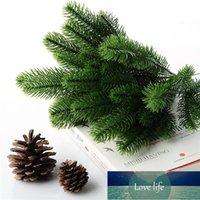 10pcs 인공 꽃 가짜 녹색 식물 소나무 분기 크리스마스 파티 장식 크리스마스 트리 장식품 P20 공장 가격 전문가 디자인 품질