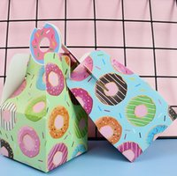Hediye Wrap 8 adet Çörek Şeker Hediyeler Kutusu Bebek Duş Çerezleri Donuts Kağıt Kutuları Tema Mutlu Doğum Günü Partisi Süslemeleri