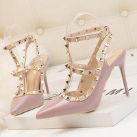 Robe chaussures femmes Sliver Spikes hauts talons sexy dames pompes à lanières noires sandales STILETOS