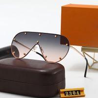 2304 Designer de luxo 2021 Estilo de Verão Temperamento Mulheres Óculos de Sol Super Luz Proteção UV Fahion Color Misturado Vem com Caixa