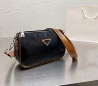 2021 미친 판매 패션 여성의 어깨 안장 가방 럭셔리 레이디 핸드백 호보 Ava 플랩 디자이너 가방 다재다능한 멀티 컬러 더 가죽 금속 색상 옵션