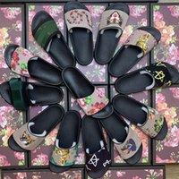 2021 Yeni Erkek Kadın Sandalet Ayakkabı Terlik Baskı Slayt Yaz Geniş Düz Bayan Terlik Kutusu Toz Çanta 35--48