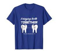 Traer los dientes juntos fresco ortodoncista o camisa asistente