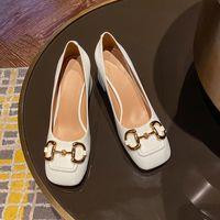 Frauen Slingback Mid-Heel Horsebit Pumpe Weiße Rindsleder Kleid Schuhe High Heels Designer Sandalen Python Print Leder Quadratische Schuhe 273