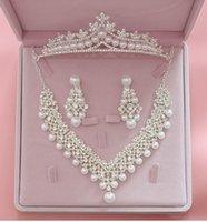 Magnificent Pearl Bridal Set da sposa Donne Bride Accessori per gioielli per feste di nozze Crystal Tiara Corona orecchino collana