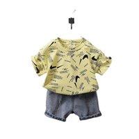 Tiktok Çocuk Erkek Şort Set İki Parçalı Yaz Kıyafet Bebek Yürüyor Tasarımcılar T Gömlek Ve Kısa Kot Denim Pantolon Pantolon Eşofman Rahat Giyim Spor Suit G59IPG6