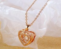 Women Girls Shiny Cubic Zirconia Heart-shaped Love Heart Pendant Necklace Female Simple Heart-to-heart Titanium Steel Clavicle Chain 18 inch Rose Gold