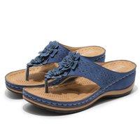 Designer Flip-Flops Women's Summer Outing Wear New Large Size Slippers Retro Flower Wedge Flip Sandals 43 Female VOGUE Woman Platform Shoes