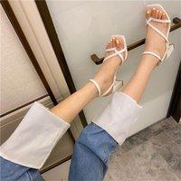 حذاء اللباس Yuxiang المصارع الصنادل عالية الكعب سقوط الشارع نظرة الإناث رئيس مربع مفتوحة تو كليب على strappy النساء