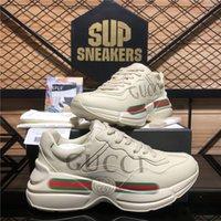 Top Quality Men Donne Gucci Scarpe Casual Ape Ape Genuine Pelle Sneaker Ricamo Classic Trainer Amante Mens Womens Sport Rhyton Vintage Trainer Sneakers con scatola