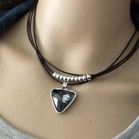 Anslow Modeschmuck Vintage Retro Multiliyer Leder Dreieck Kristall Anhänger Choker Halskette Günstige Preis LOW0018AN