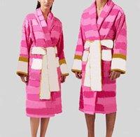 Pink Jacquard Unisex Bath Bath roupes Algodão Suave Casa Desgaste com Cinto Quente e seco Quikly Carta Impresso Hotel Suprimentos