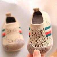 Оптом детская обувь первые ходунки противоскользящие мягкие нижние желейные кроссовки повседневный плоский детский размер девушки мальчики спортивные буквы кроссовки обувь для новорожденного ребенка 6 м 12 м 24м