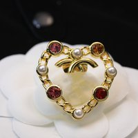 Mulheres Moda Designer Broche C Letta Diamante Broche Pin Tassel Jóias Roupas Decoração de Alta Qualidade
