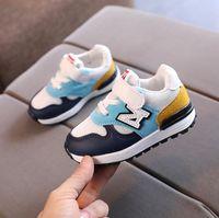 2021 봄 새로운 키즈 스포츠 신발 통기성 디자이너 소년 소프트 러닝 신발 소녀 아기 신발 운동