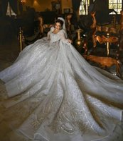 Dubai Plus Size Ball Gown Wedding Dress 2021 Long Sleeve Lace Sequined Luxury Bridal Gowns Crystal Beads Bride robes de mariée