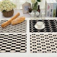 Almohadillas de alfombras Rayas geométricas en blanco y negro Accesorios de cocina rosa Kichen Placemat Coffee Table Decor Mantel para