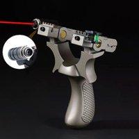 Hoge Precisie Outdoor Schieten Hunting Slingshot Laser Richten Hars Catapult Slingshot met behulp van platte rubberen band