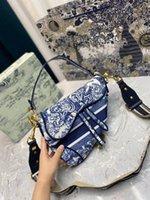 Neue Designer Tasche Damen Luxus Rotes Leder Sattel Pochette Handtasche Damen Crossbody Stickerei Ein-Schulter-Dinner-Tasche