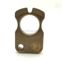 EDC Solid Brass Knuckles Camping Keychain Outdoor Pendant Pocket Survival Self-defense Tool Broken Window Tools Factory Direct Sales AC477-A