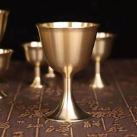 Tazas platillos de latón copa de chalise copa de vino copas de bebida bebida bebida lámpara soporte de licor de metal decoración del hogar