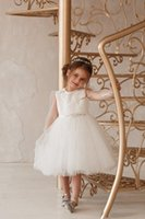 Lovely Wedding Party Flower Girls' Dresses O-Neck Beaded Sash Sheer Long Sleeves Buttons Communion Dress Short Tulle Princess Birthday Gowns