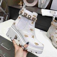 الأحذية للنساء أزياء السيدات حزام مشبك sylvie سلسلة الشريط مزخرف الجلود مارتن التمهيد المطرزة الجلود الفرقة الكاحل أعلى مصمم فاخرة الشتاء مربع الأحذية
