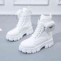 2021 Mode Bottes Chunky Boots BLANC LACE UP CHELDLE POUR FEMMES AUTOMNE ROUTE TOEUX COMBAT MARTIN NOIR Platte-PlateauX Chaussures 210804