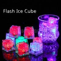 Plastik LED Işıkları Polychrome Flaş Parti Işıkları LED Parlayan Buz Küpleri Yanıp Sönen Yanıp Sönen Dekorasyon Işık Yukarı Bar Kulübü Düğün DBC FY764