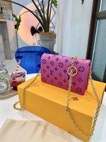 Louis Vuitton Luxurys Designer En Kaliteli Omuz Çantası Kadın Mini Coussin Lady Hakiki Deri Çanta Ücretsiz Tote Çanta Mon0gram Crossbody Çanta Çanta Cüzdan