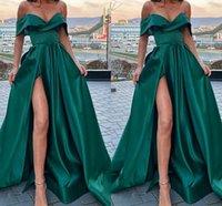 Элегантный с плеча Изумрудный зеленый атлас длинные вечерние платья с ногой щель V-образным вырезом Длина пола Арабский выпускной вечеринки платья одежды