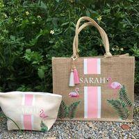 Benutzerdefinierte Flamingo Einkaufstasche Bachelorette Geschenk Tasche Sackleinen Personalisierte Strand Tasche Tropische Brautjungfer Geschenkideen Strand Tragetaschen 210825