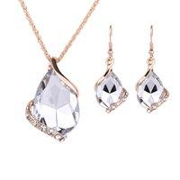 الأقراط القلائد مجموعات أزياء المرأة أنيقة 5 ألوان قطرة المياه نمط حجر الراين مطلية بالذهب مجموعات مجوهرات 2 قطعة مجموعة بالجملة 910 Q2