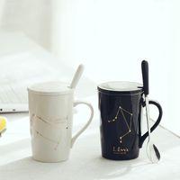 세라믹 머그잔 12 별자리 크리 에이 티브 머그잔 숟가락 뚜껑 검은 색과 금색 도자기 조디악 밀크 커피 컵 drinkware 재미 있은 머그잔