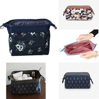 Storage Bags Portable Travel Women Bag Flowers Leaves Printed Zipped Ladies Girls Dustproof Toiletry Waterproof Makeup Organizer