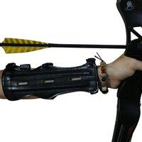 Garantizado 100% PU Cuero negro 22 cm Tiro con arco Guard 3 Correa ajustable Protección del brazo con 3 barras Arco y flecha Accesorios