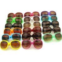 Womens Billig Herrengläser Sonnenbrille Die meisten modernsten Sonnenbrille Sun Plastic Colors für viele Wählen Sie den klassischen Stil der Strand-klassischen Stil und der HMPSS-HHFAP