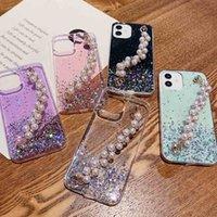 Bling glitter sparkle cor holográfica mudando casos de telefone para iPhone 12 pérola lustro pulso mão pulseira macia tampa protetora magro