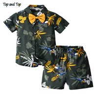 Top and top Brand New Kid Boys Vêtements d'été Ensembles T-shirts à manches courtes Tops + Shorts garçons Garçons Outfit de style Hawaiian Beachwear 210226