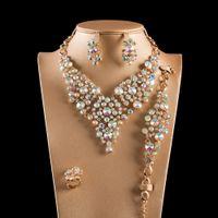 Ornament Set Kristallglaslegierung Vier-teiliges Halskettenarmband Ohrringe Ring