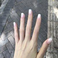 24pcs / Boîte à gradient blanc presse acrylique presse acrylique sur ongles couleur solide Courts ongles artificiels avec colle pour filles Diynail Art