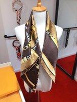 2021 New Fashion, Big Brand Square Sciarpe 90 * 90cm Luce Luce Luxury Twill Sciarpa Silk Sciarpa multi-funzionale Sciarpa di fascia alta boutique Boutique Sciarpa regalo