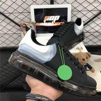 Pares de primera calidad Moda Hombres Mujeres Diseñadores Zapatos Para hombre Cuero de Cuero Plataforma Suela de gran tamaño Sneakers Blanco Black Casual Trainer Sneaker con caja