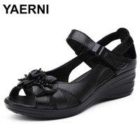 Yaerni Gladiator Sandal Elegant подлинная корова кожаный клин середина каблука 4см бисером цветочные женские туфли и E881 210619