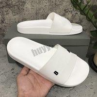 Zapatillas para mujer para hombre de primera calidad Sandalias de goma de verano Silencios de playa Deslice Fuente tridimensional Zapatos de interior Tamaño 36-46 con caja