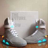 2021 Release Authen Air Air Mag Torna alla futura Sneakers Moda Mens Donne Scarpe sportive Leggero LED Lighting Trainer all'aperto con scatola originale