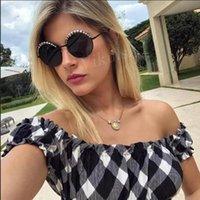선글라스는 여성의 복고풍 블랙 브랜드 디자이너 탑 태양 안경 여성 미러 색조를위한 우아한 진주 라운드